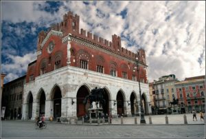 Piacenza: Paizza Cavalli. Copertina progetto