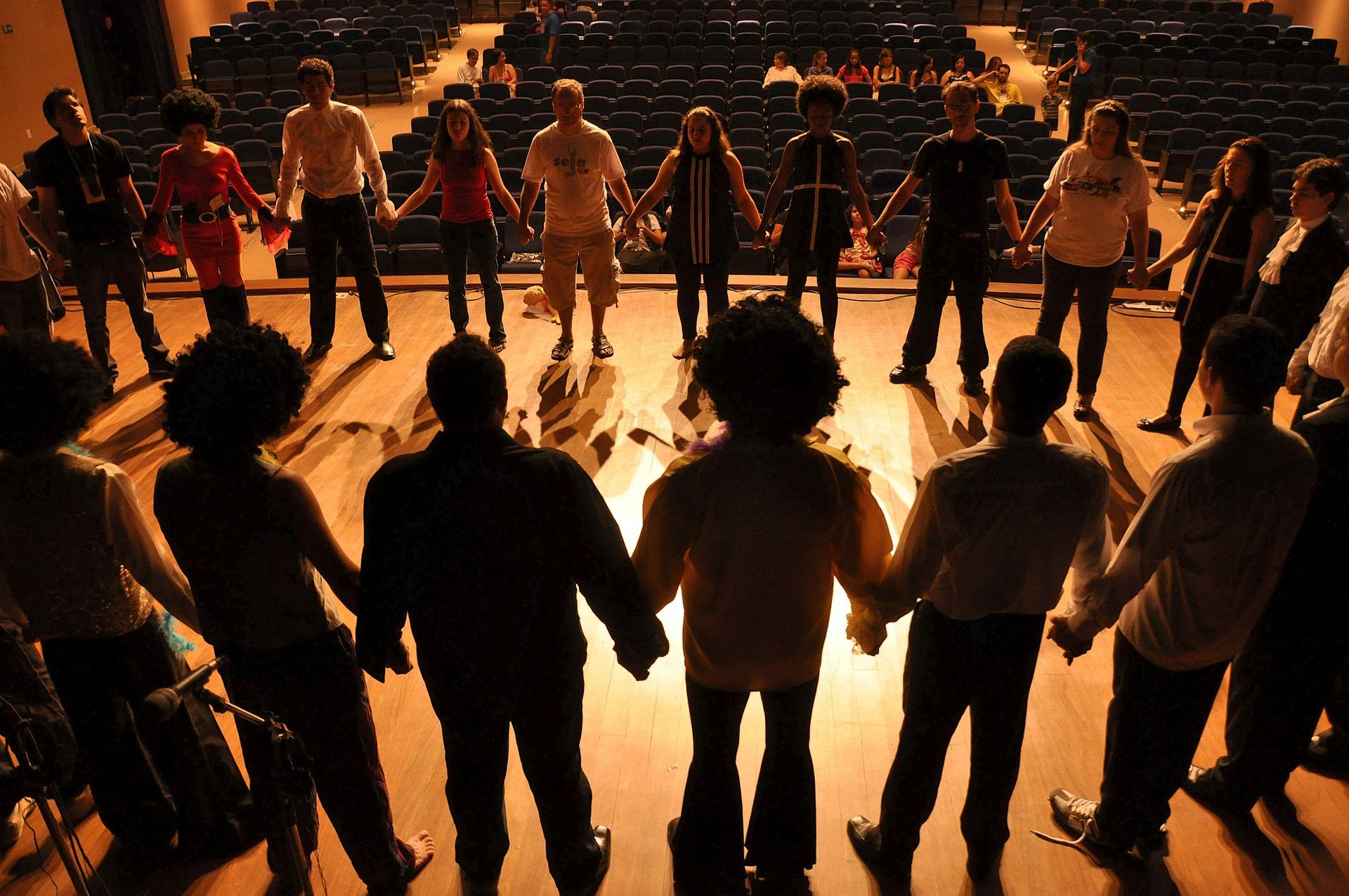 Teatro Sociale: un ponte per lo sviluppo delle competenze trasversali